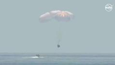 La cápsula Dragon culmina con éxito una misión histórica de la NASA y SpaceX