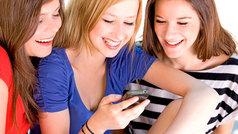 Los adolescentes pasan más tiempo navegando en internet que en el colegio
