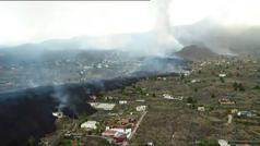 El volcán pone en riesgo las plantaciones de plátano, la principal fuente de riqueza de La Palma