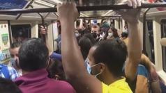 Clamor en Vallecas por las aglomeraciones en el metro de Madrid
