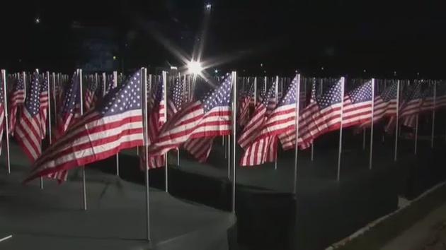 200.000 banderas de EEUU sustituirán a los ciudadanos que no podrán acudir a la jura de Biden