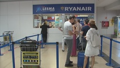 Ryanair amenaza con despidos si siguen las huelgas