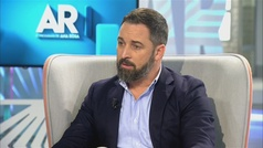 "Santiago Abascal: ""Tendremos que elegir entre pensiones o 17 parlamentos autonómicos"""