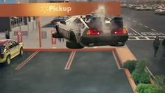 El viral de Walmart que homenajea a Kitt y al DeLorean ya suma más de 17 millones de visitas