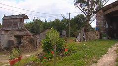 Un grupo de jubilados se compra una aldea abandonada en Galicia para retirarse