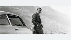 El agente Q de 'Goldfinger' muestra a 007 los gadgets del DB5.