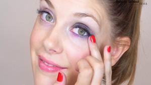 Maquillaje morado y aguamarina - Beauty School
