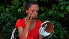 ¿Cómo tratar y disimular el acné?