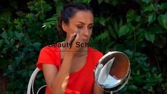 Cómo contornear el rostro con polvos solares