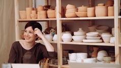 Entrevistamos a Candela Madaria, la mujer que está revolucionando el slow life con Bureau Mad y su cerámica
