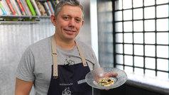 Crema de queso curado con curry y avellana tostada, por Álvaro Garrido