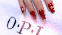 Manicura en rojo y en dorado o cómo conseguir unas uñas navideñas