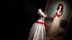 Recorremos la exposición Balenciaga y la pintura española de la mano del diseñador Ulises Mérida