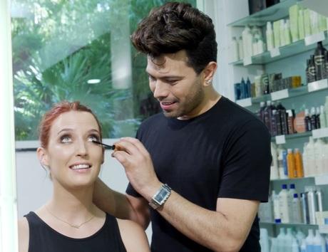 Cómo maquillar el ojo con extensiones de pestañas