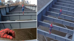El vídeo de dos 'Spiderman' en un puente de Melbourne que genera debate: ¿real o 'fake'?